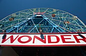 WONDER SIGN DENO'S WONDER WHEEL AMUSEMENT PARK CONEY ISLAND BROOKLYN NEW YORK CITY USA