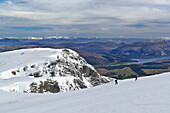 Two persons ascending to Ben Nevis, Ben Nevis, Highland, Scotland, Great Britain, United Kingdom