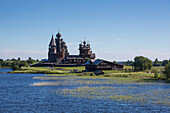 Kizhi Pogost, large wooden churches on Kizhi Island, Lake Onega, Russia, Europe