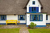 Frisian house with thatched roof, Nebel, Amrum island, North Sea, North Friesland, Schleswig-Holstein, Germany