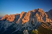 View from mount Stripsekopf to Wilder Kaiser, Zahmer Kaiser, Kaiser mountain range, Tyrol, Austria