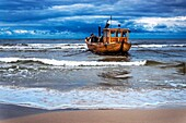 Fishing boat on the Baltic Sea near the pier of the Baltic Sea resort of Ahlbeck, Municipality of Heringsdorf, Usedom Island, County Vorpommern-Greifswald, Mecklenburg-Western Pomerania, Germany, Europe