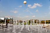Hot air balloon over fountain in Park Andre Citroen, Paris, Ile de France, France