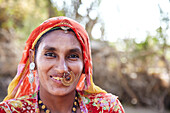 Bishnoi tribeswoman in village Rajasthan India © Andy Kerry / Axiom