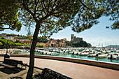 Harbour with castle, Lerici, province of La Spezia, Liguria, Italia