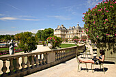Jardin du Luxembourg with Luxembourg Palace, Paris, France, Europe