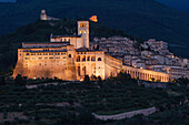 Assisi with Basilica of San Francesco d Assisi in the evening, UNESCO World Heritage Site, St. Francis of Assisi, Via Francigena di San Francesco, St. Francis Way, Assisi, province of Perugia, Umbria, Italy, Europe
