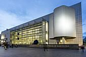 MACBA im Abendlicht, Museum of Modern Art, Richard Maier, Barcelona, Spanien