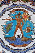 Souvenirteller mit Abbildung des Koloß von Rhodos, Rhodos, Dodekanes, Südliche Ägäis, Griechenland