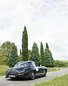 Mercedes Benz, 300 SL W 198 wing doors, Mille Miglia, 1000 Miglia, near San Quirico d'Orcia, Toskana, Italy, Europe