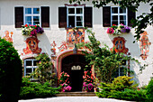 Farmhouse with traditional wall paintings, Bernried, Starnberger See, Upper Bavaria, Bavaria, Germany