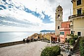 Kirchturm, Cervo, Provinz Imperia, Ligurien, Italien