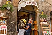 Delicatessen shop, Corso Camillo Benso Conte di Cavour, pedestrian area, old town, Orvieto, hilltop town, province of Terni, Umbria, Italy, Europe