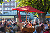 Beer garden on Viktualienmarkt, Munich, Upper Bavaria, Bavaria, Germany