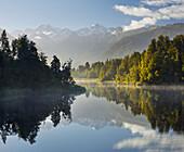 Lake Matheson with Mount Cook, West Coast, South Island, New Zealand