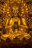 Buddha Statue im Longhua Tempel, Shanghai, China