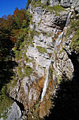 Female hikers passing Staubfall, Heutal, Unken, Salzburg, Austria, Ruhpolding, Chiemgau, Bavaria, Germany