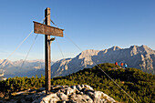 Female hikers on mount Steinplatte, Waidring, Tyrol, Austria