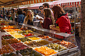 Fruit and flower market, Cours Saleya, Nice, Alpes Maritimes, Provence, French Riviera, Mediterranean, France, Europe