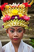 Children dressed for a ceremony. Religious procession. Ubud. Bali. Indonesia. South-East Asia, Asia.