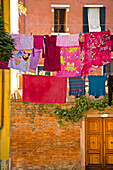 Washing day, laundry drying, Castello, Venice, UNESCO World Heritage Site, Veneto, Italy, Europe