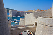 Harbour and Old Town walls, UNESCO World Heritage Site, Dubrovnik, Dalmatia, Croatia, Europe
