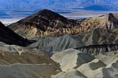 ERODED BADLANDS LANDSCAPE, DEATH VALLEY NATIONAL PARK, CALIFORNIA, USA