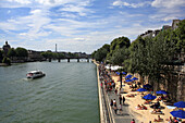 France, Paris, atmosphere along the banks of Seine