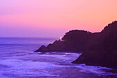 'Oregon, United States Of America; Heceta Head Lighthouse At Morning Light Along The Coast Of The Pacific Ocean'