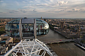 The London Eye, with view in the Tamigi river and the City