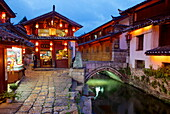 Twilight in the Old Town, Lijiang, UNESCO World Heritage Site, Yunnan Province, China, Asia