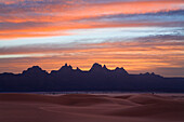 Idinen mountains at dawn in the libyan desert, Libya, Sahara, North Africa