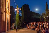 Danza Verticale, The Vertical Dance Company, Il Posto Danza Verticale, night performance, audience, San Servolo Island, choreography Wanda Moretti, based in Venice, Italy
