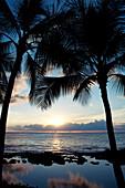 Hawaii, Oahu, Koolina, Vibrant Sunset On The West Shore Of Oahu.