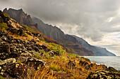 Hawaii, Kauai, Na Pali Coast, Kalalau Coastline And Mountain Ridges.