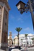 Plaza de la Catedral, Platz vor der Kathedrale in der Altstadt von Cádiz, Costa de la Luz, Provinz Cádiz, Andalusien, Spanien, Europa