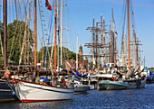 Kiel week, Sailing boats at the lighthouse at Kiel Holtenau, Kiel, Baltic Sea Coast, Schleswig Holstein, Germany