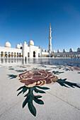 Sheikh Zayed mosque, domes, minaret, tower, rook, Islam, mosque, religion, Abu Dhabi, UAE, United Arab Emirates, Middle East, decoration, flower motive, flower, traveling, place of interest, landmark