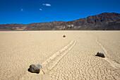 Racetrack Playa, USA, Amerika, Vereinigte Staaten, Kalifornien, Death Valley Nationalpark, ausgetrockneter See, Steine, Schleifs