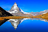 Alps, Alpine panorama, view, mountains, mountain panorama, mountain lake, peak, cliff, rock, mountains, summit, peak, autumn, scenery, Matterhorn, Mattertal, nature, reflection, lake of Riffel, rest, Switzerland, Swiss Alps, Swiss, landmark, lake, reflect