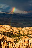 Rainbow at Inspiration Point in Bryce Canyon National Park