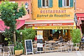 People enjoying lunch in a bistro in Roussillon, Provence, France, Europe