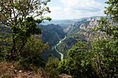 France, Alpes de Haute_Provence, Provence, Côte dAzure, Aiguines, view, Col dIlloire, 967 ms, Verdon gulch, trees, place of interest, landmark, tourism, water, plants, scenery, mountains, panorama, rock, cliff, spectacle of nature, rivers, flows,