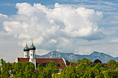 Benediktbeuern Abbey, Benedictine Order, 17th century, Benediktbeuern, mountains in the background, Herzogsstand, Bavarian foothills of the Alps, Landkreis Bad Toelz- Wolfratshausen, Upper Bavaria, Bavaria, Germany, Europe