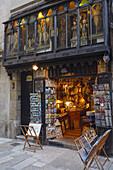 antiques shop, Placa del Rei, Barri Gotic, gothic quarter, Ciutat Vella, old town, Barcelona, Catalunya, Catalonia, Spain