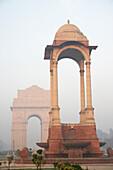 India Gate against blue sky, Delhi, India, Delhi, India, India