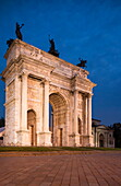 Arch of Peace at night, Piazza Sempione, Milan, Lombardy, Italy, Europe