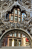 Art nouveau ornamentation on Carson Pirie Scott Building, Chicago, Illinois, United States of America, North America
