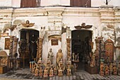 Local handicraft shop in Spanish Old Town, ancestral homes and colonial era mansions built by Chinese merchants, UNESCO World Heritage Site, Vigan, Ilocos Province, Luzon, Philippines, Southeast Asia, Asia