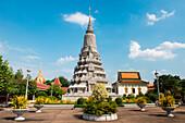 Exterior of Royal Palace, Phnom Penh, Phnom Penh, Cambodia, Asia